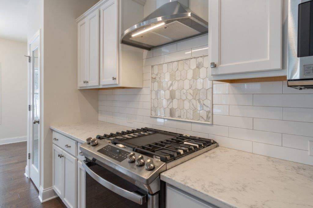 tile backsplash in the franklin at cedar pointe